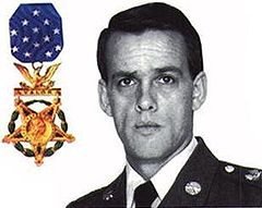 US Army MSG Gary Gordon with medal of honor.JPG