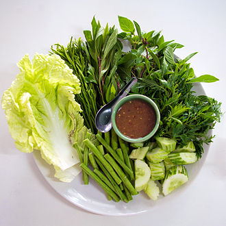 """Polyscias fruticosa - In Thailand, Polyscias fruticosa is called lep khrut (lit. """"Garuda claws""""). It can be eaten raw together with a spicy dip, or it can be boiled in curries."""
