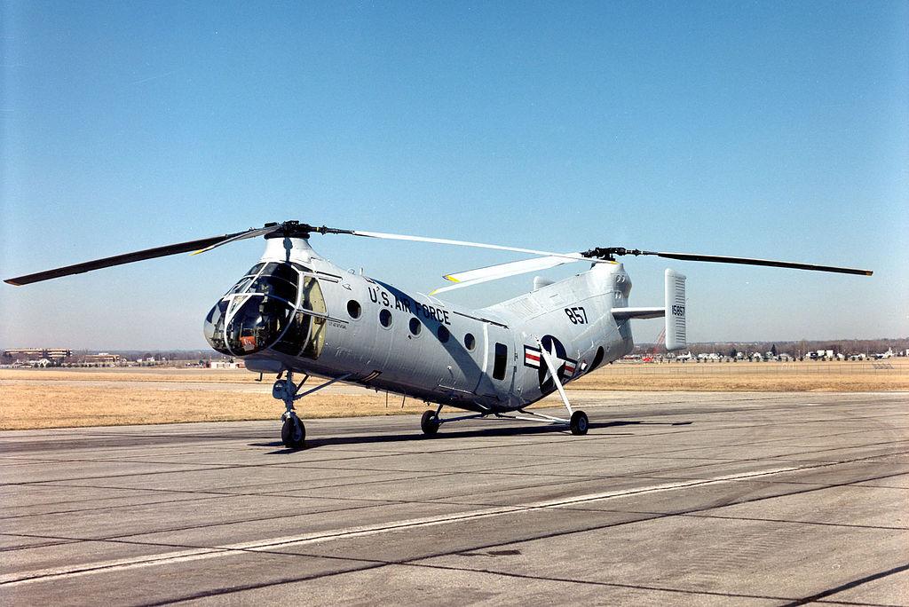 Como construir um disco (ou aro) voador 1024px-Vertol_CH-21B_Workhorse_USAF