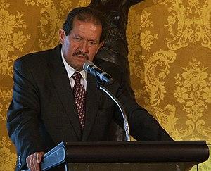 Angelino Garzón - Image: Vicepresidente de Colombia, Angelino Garzón visita a su homólogo ecuatoriano, Lenin Moreno, para firmar convenio s en materia de discapacidades (6083033161)