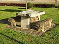 Vincelles-FR-89-table de pierre-01.jpg