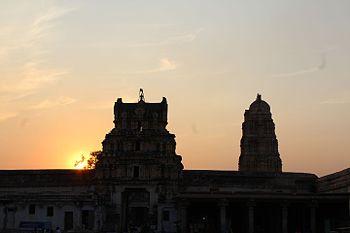 Virupaksha temple sunset.jpg