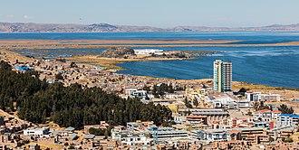 Puno - Image: Vista de Puno y el Titicaca, Perú, 2015 08 01, DD 63