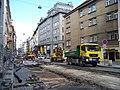 Vodičkova, rekonstrukce tramvajové trati, u ulice V jámě.jpg