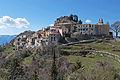 Vue sur le village d'Ascros en venant de Toudon.JPG