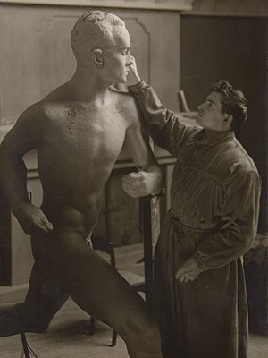 1925 in art - Aaltonen works on the statue of Nurmi