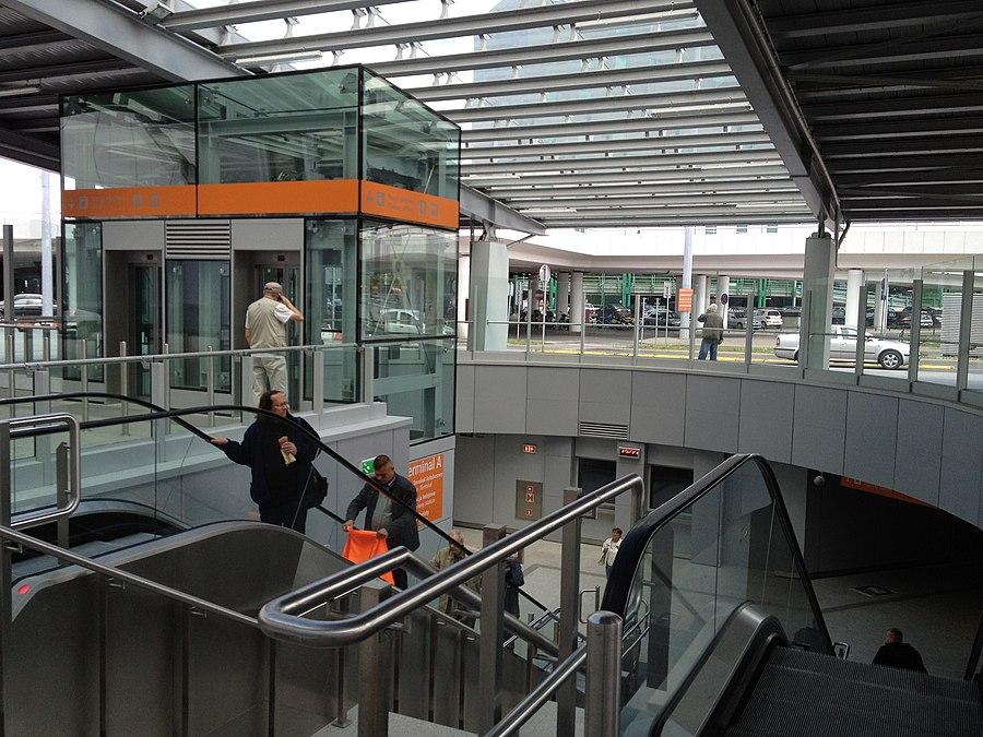 Warsaw Chopin Airport railway station