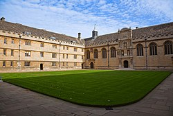 Wadham College Front Quad October 2009.jpg