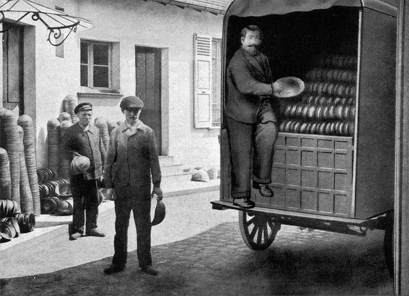 File:Wagon-load of Helmets or Casques NGM-v31-p339.jpg