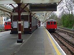 Watford station platform 1 look south