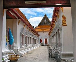 Wat Mahathat Yuwaratrangsarit Buddhist temple in Bangkok, Thailand