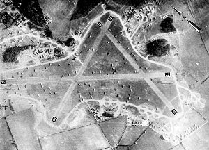 RAF Welford - RAF Welford, May 1944. The CG-4 Gliders and C-47s of the 435th Troop Carrier Group trying to find room with the aircraft being parked wherever space can be found, one month before the D-Day invasion of France.