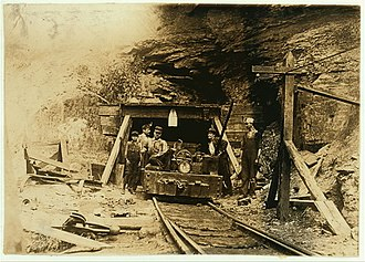 Broad form deed - 1908 drift coal mine in West Virginia. Photograph by Lewis Hine.