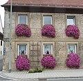 Wirtshaus mit Blumenschmuck - panoramio.jpg