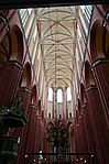 Wismar, St. Nikolai, Blick in das Gewölbe des Mittelschiffes.JPG
