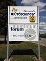 Wutö. Schilder Gemeinde-Aluforum.jpg
