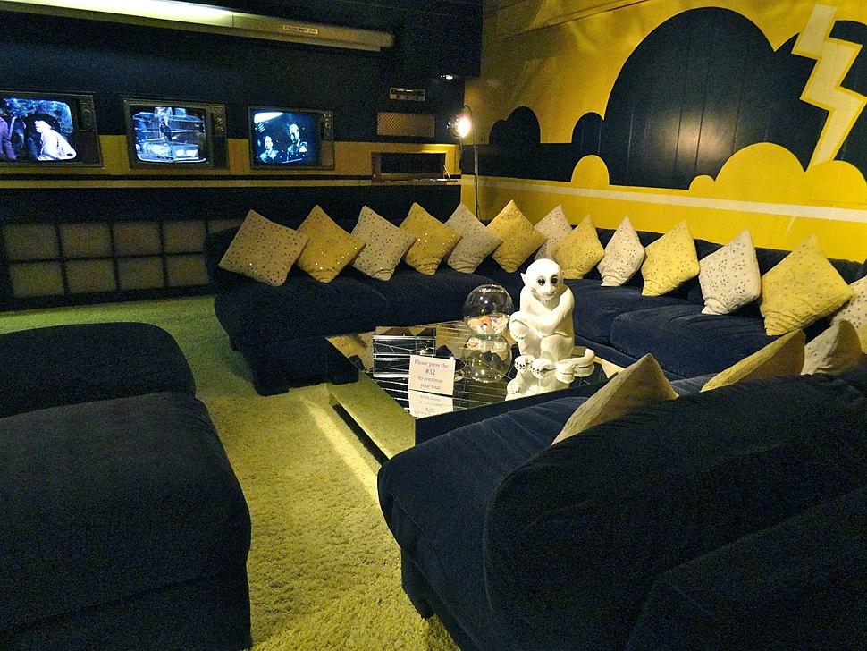 Yellow TV room 228