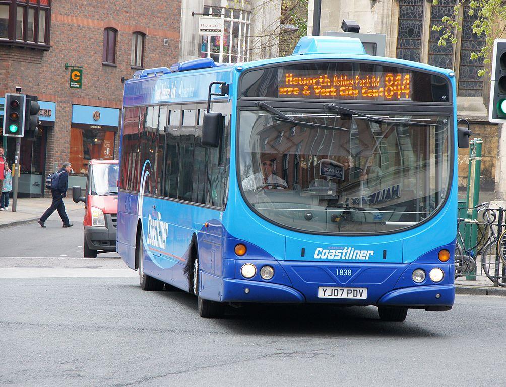File:Yorkshire Coastliner bus 1838 (YJ07 PDV), 10 April 2012.jpg ...