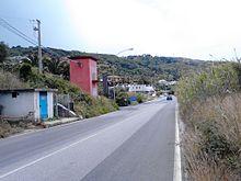 Strada sprovvista di marciapiede