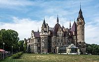 Zamek Moszna - wschodnie skrzydło.JPG