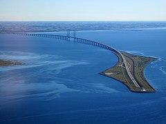 Øresund Bridge from the air in September 2015