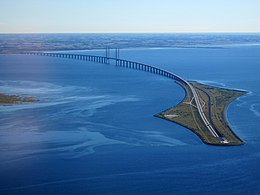 Øresund Bridge from the air in September 2015.jpg