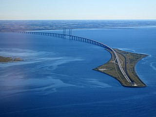 road and railway bridge over Øresund