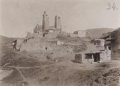 Восточный Кавказ. Село Шарой в Аргунской долине.jpg
