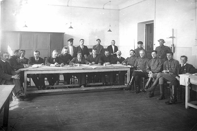 Файл:Комиссия по призыву рабочих и крестьян в Красную Армию.jpg