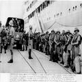 המאורעות בארץ ישראל 1938 - חיילים בריטיים יורדים מעוניה בחיפה-PHL-1088136.png