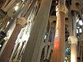 052 Sagrada Família, interior, bosc de columnes.jpg