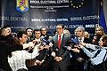 1. Victor Ponta la depunerea listei Aliantei Electorale PSD-UNPR-PC la alegerile europarlamentare - 22.03.2014 (13755507764).jpg