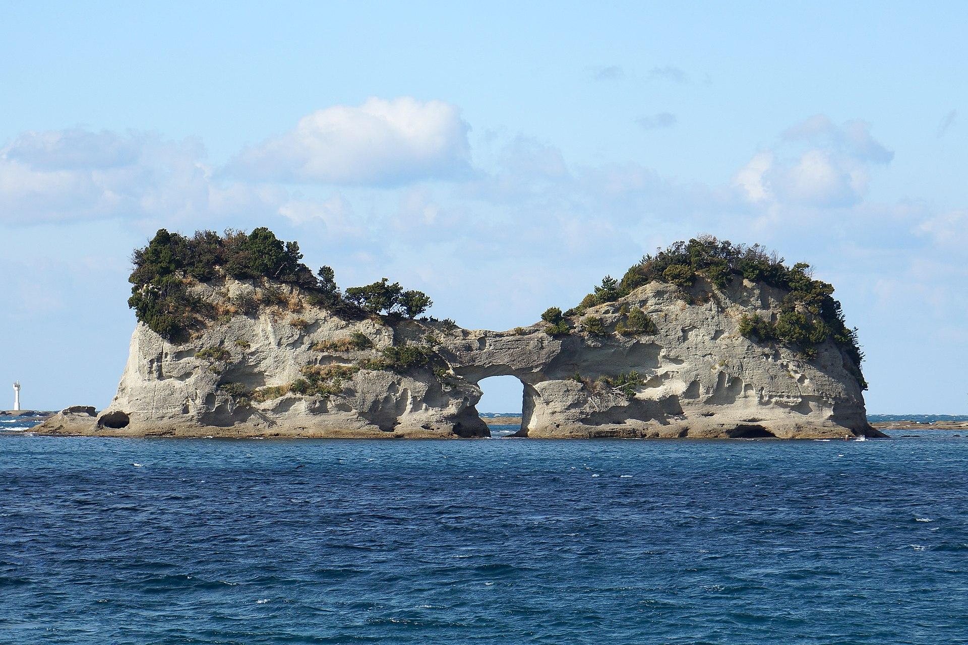 131222 Engetsu Island Shirahama Wakayama pref Japan01bs.jpg
