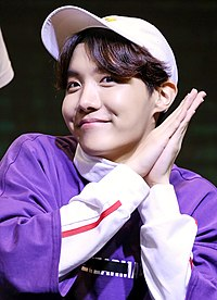 180603 J-Hope Hongik University Fansign (2).jpg