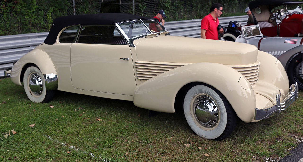 file1937 cord 812 phaeton lime rockjpg wikimedia commons