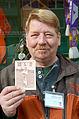 """1971 ca. der junge, 1958 in Bremen geborene Dieter Zimmermann in SV Werder Bremen-""""Uniform"""" (langärmeliges Hemd und zu große Turnhose), Foto mit dem Mann auf dem Engelbosteler Damm.jpg"""