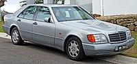 1992 Mercedes-Benz 300 SE (W 140) sedan (2010-07-19).jpg