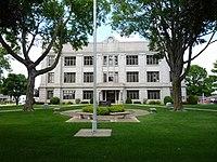 2009-0528-NewHampton-ChickasawCtycourthouse.jpg