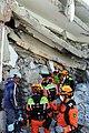 2010년 중앙119구조단 아이티 지진 국제출동100118 중앙은행 수색재개 및 기숙사 수색활동 (207).jpg