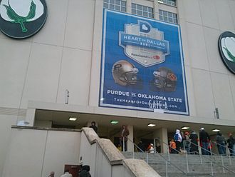 2013 Heart of Dallas Bowl - Image: 2013 Heart of Dallas Bowl entrance banner