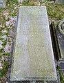 56. Probluz - Nízký pískovcový sarkofág na hrobě pruského setníka Otty von Montbart od 7. westfálského pěšího pluku č. 56. (2).jpg