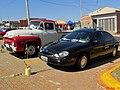 6ª edição do Encontro de Veículos Antigos de Sertãozinho, pela primeira vez realizada no Parque do Cristo. Encontro de gerações. O clássico Ford Taurus e a camionete Ford F100 da década de 1 - panoramio.jpg