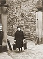 A Jewish woman with suitcase shortly after Kristallnacht in Stadthagen.jpg