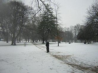 South Acton, London - Image: Acton Park 1