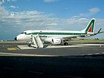 Aereo all'aeroporto Sant'Anna, Crotone.jpg