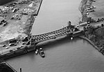 Aerial of 106th Street Bridge Chicago from NE in 1999.jpg