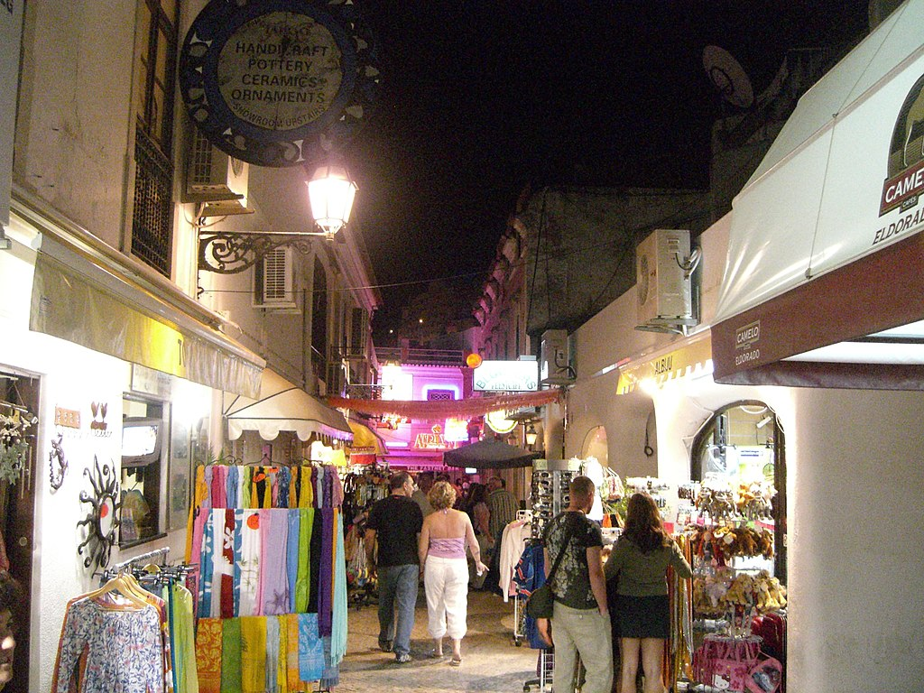 Albufeira Sidestreet