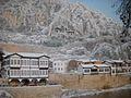 Amasya'daki tarihi evler ve Kral Kaya Mezarları.jpg