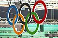 Anéis olímpicos no Estádio Aquático.jpg