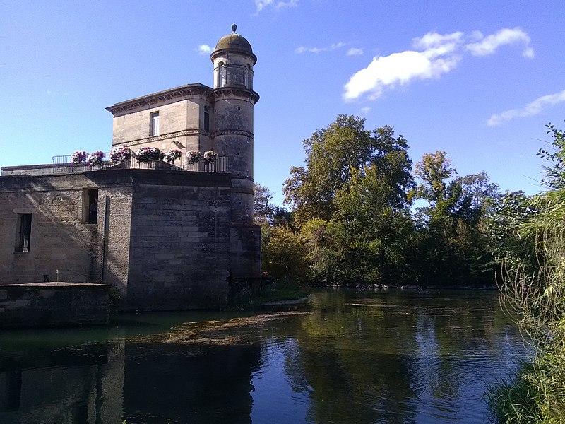 File:Ancien moulin de Bagnols, Béziers.jpg